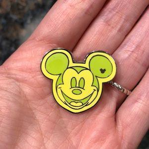 New Mickey Pin